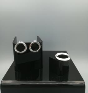 zilveren gegoten ring en oorbellen